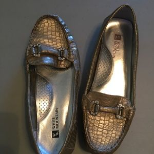 White Mountain Leather Loafers